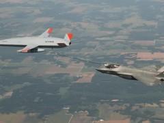 波音MQ-25无人加油机第三次加油试飞 为F-35C加油